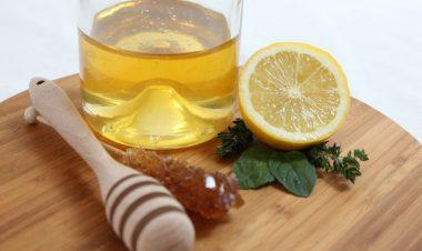 Miód i cytryna na domową maseczkę